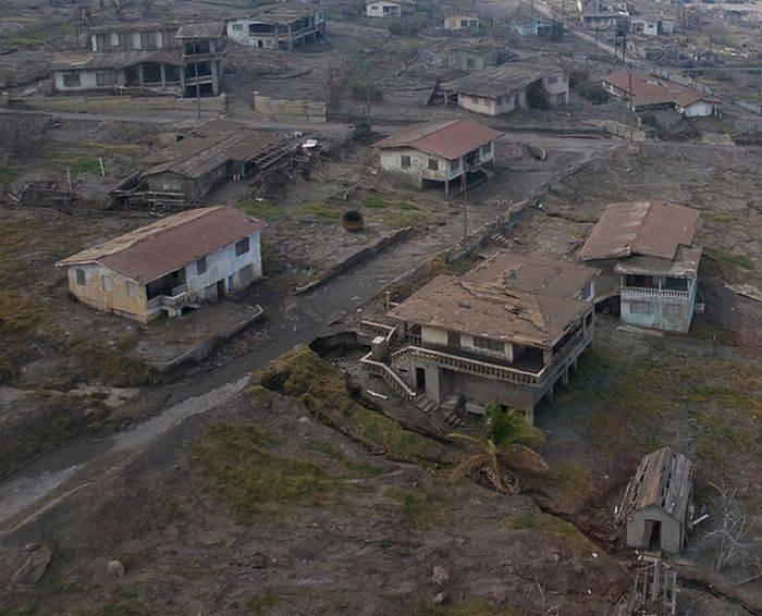 Miasto po erupcji wulkanu 37
