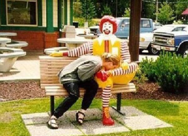 Niełatwe życie Ronalda McDonald 14