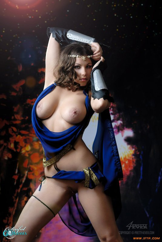 golaya-coco-porno-fotki