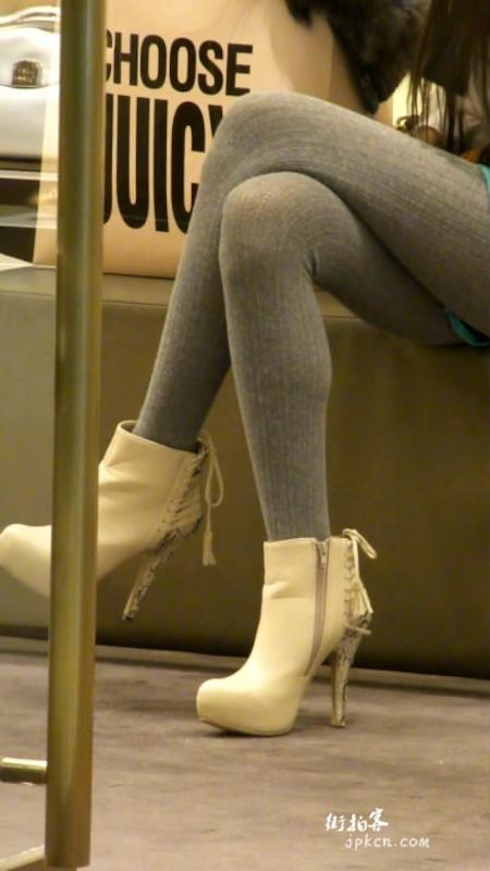 灰色打底裤时尚气质美女