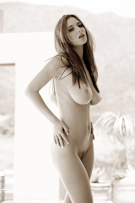 Смотреть порно фото сисястых знаменитостей 17 фотография