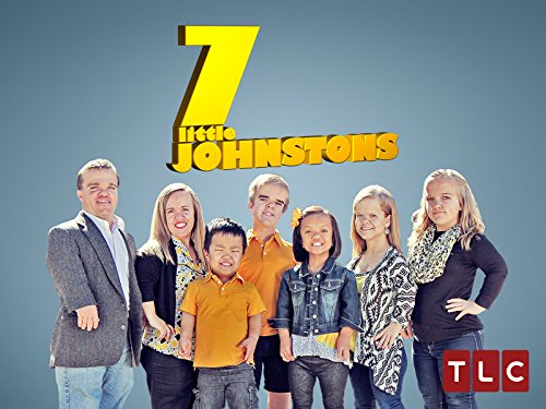 7 Little Johnstons S04E03 Dads Wearing Moms Pants 720p WEB x264-KOMPOST