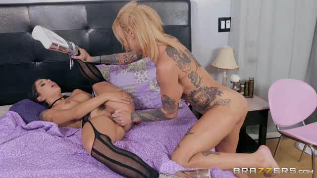 HotAndMean 19 02 03 Bonnie Rotten And Gina Valentina Scared Un-Straight XXX