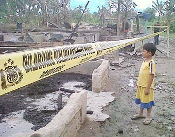 68432905df54131d32b35b02936266d90279278 Bentrokan Antar Kampung di Amplas Medan 7 Rumah Dibakar, 2 Kritis Dibacok, Warga Masih Ketakutan dan Mengungsi